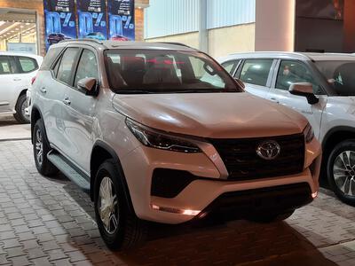 سيارة تويوتا فورتشنر GX2 4x4 2022 سعودي للبيع