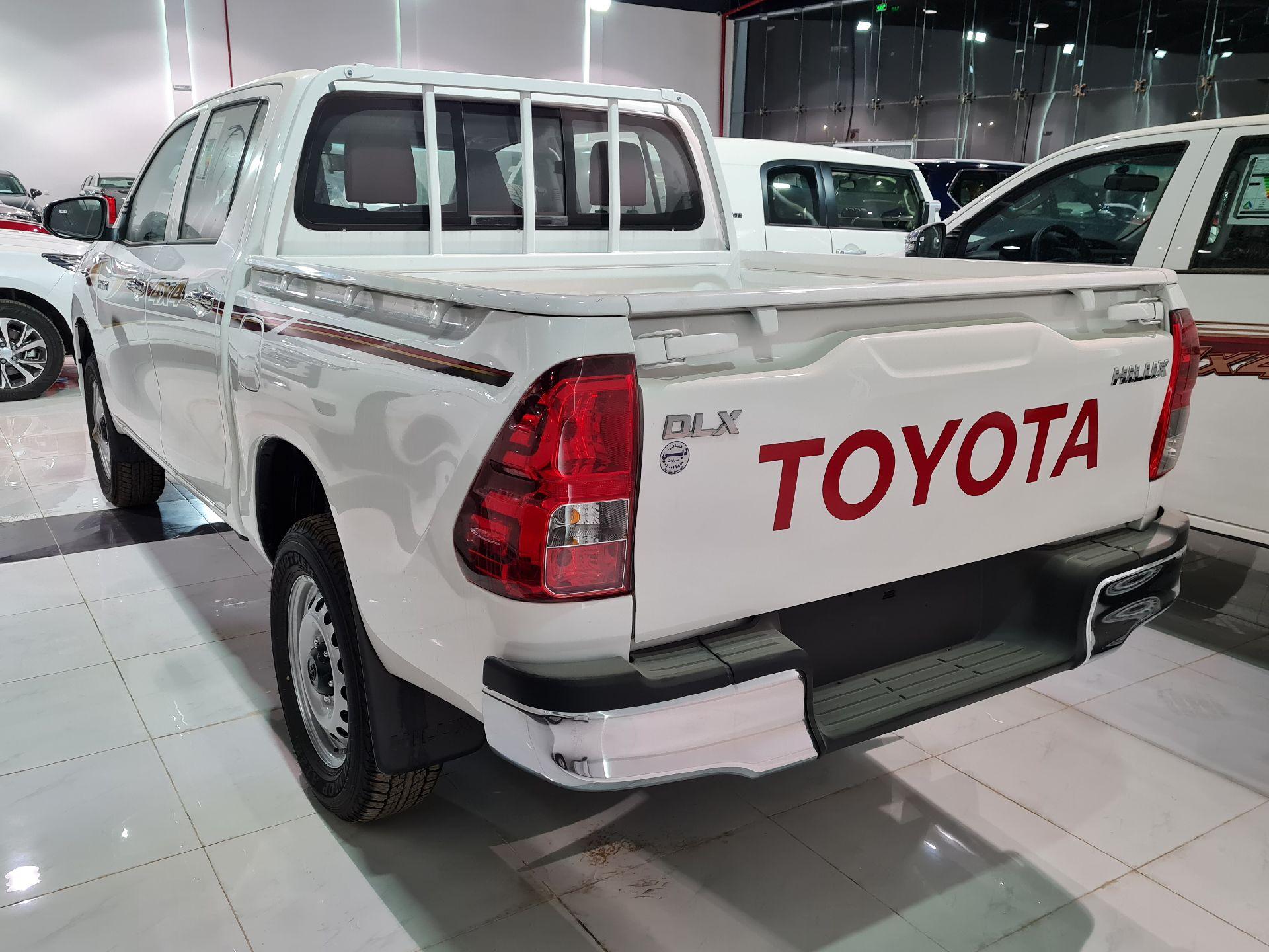 تويوتا هايلكس 2021 للبيع للبيع في الرياض - السعودية - صورة كبيرة - 5