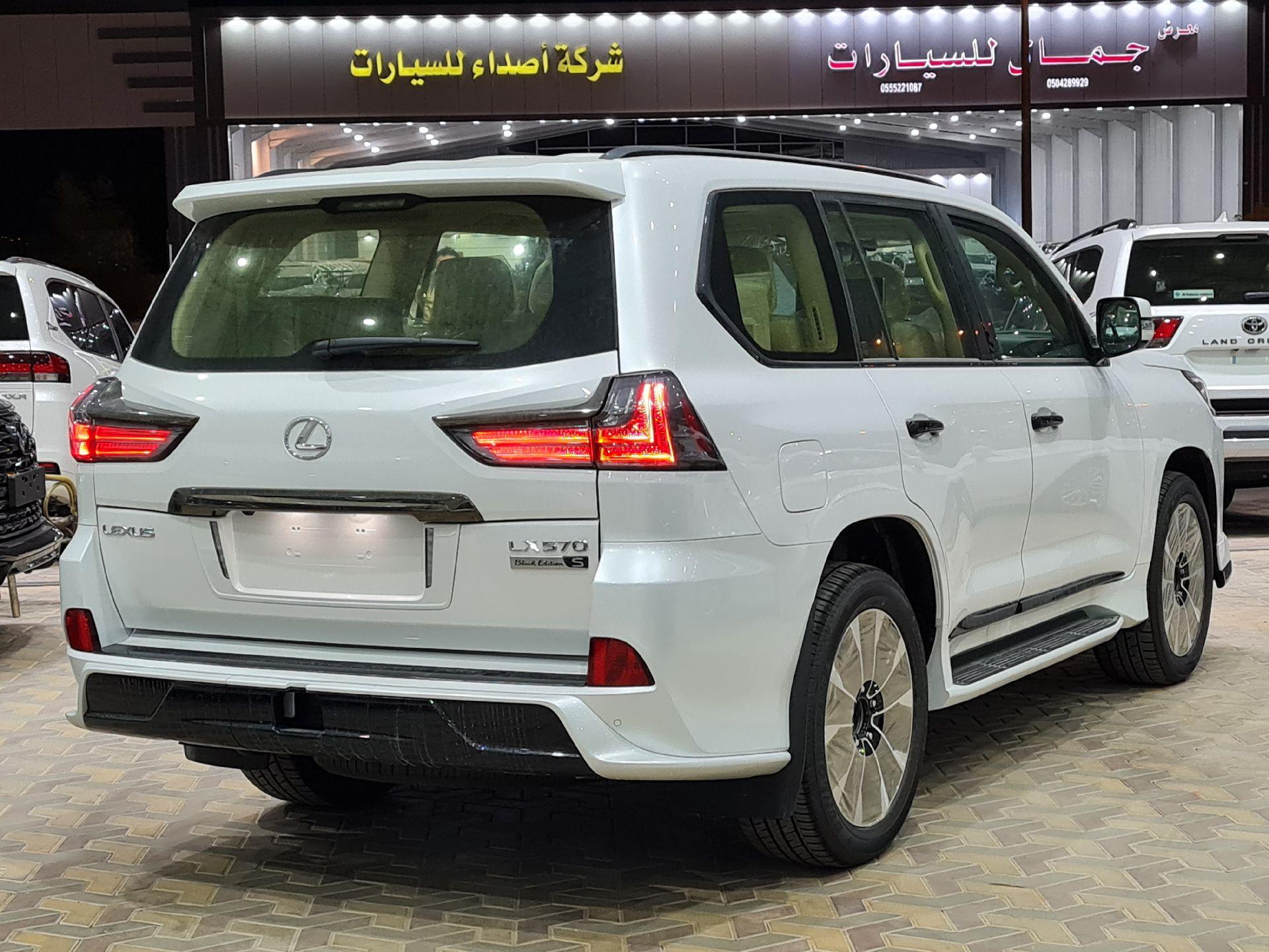 لكزس LX 570 Black Ed. 2021 فل خليجي للبيع في الرياض - السعودية - صورة كبيرة - 4