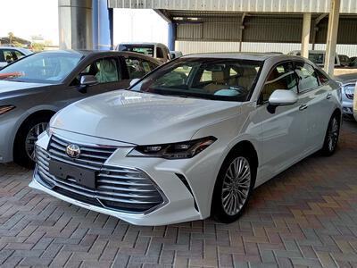 سيارة تويوتا افالون Limited 2021 فل خليجي للبيع